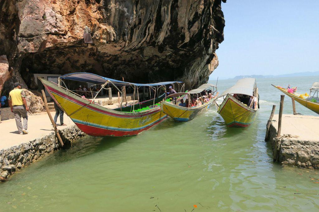 Na otok dolazi velik broj turista