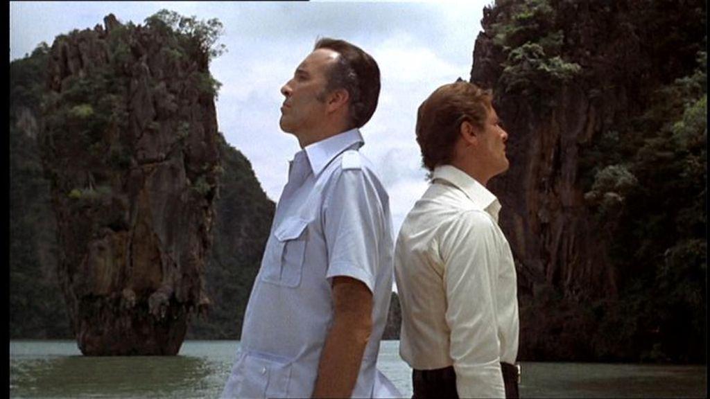Prizor iz filma Čovjek sa zlatnim pištoljem