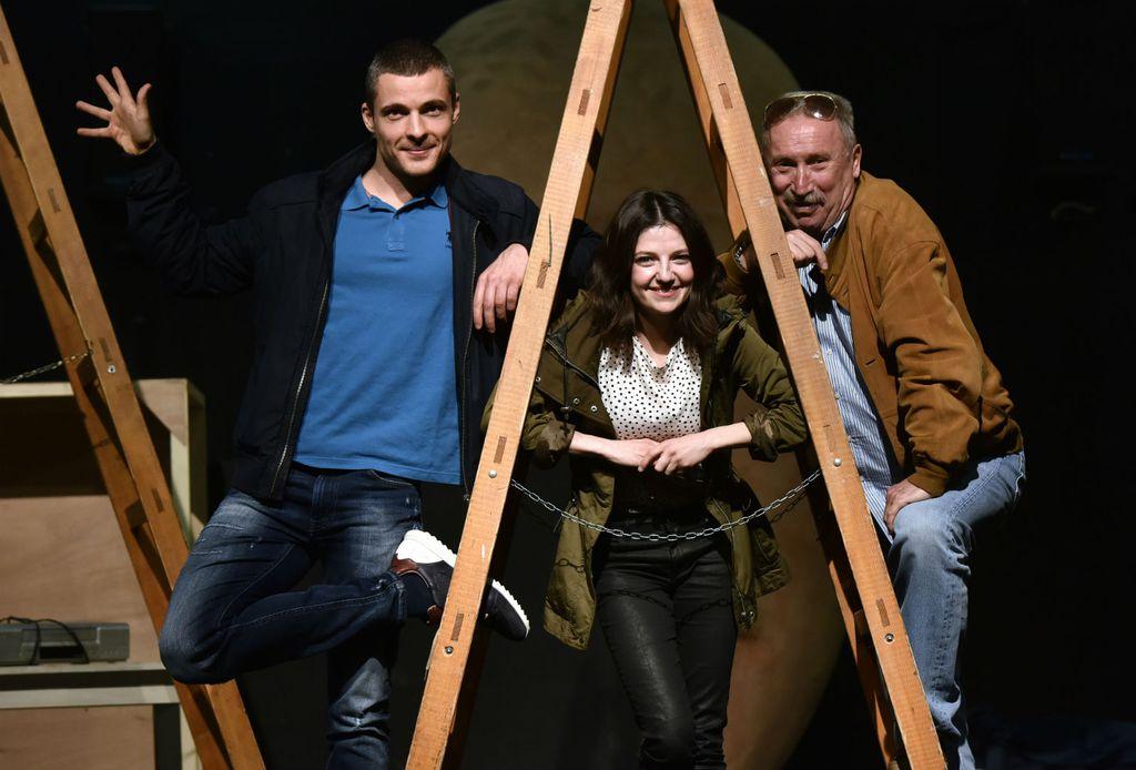 Amanda Prenkaj i Zoran Pribičević glume u predstavi \'Malena i Klepetan - Ljubav na prvi klepet\' redatelja Želimira Mesarića