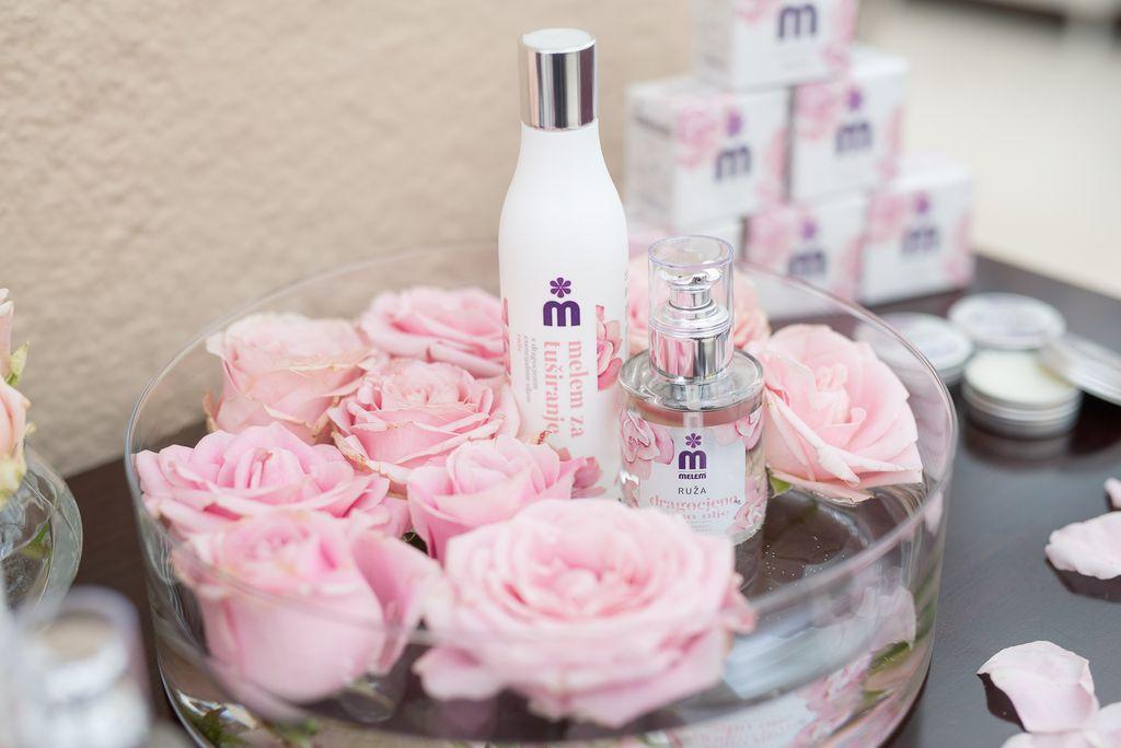 Melemovo dragocjeno suho ulje s esencijalnim uljem ruže novi je član obitelji Melem