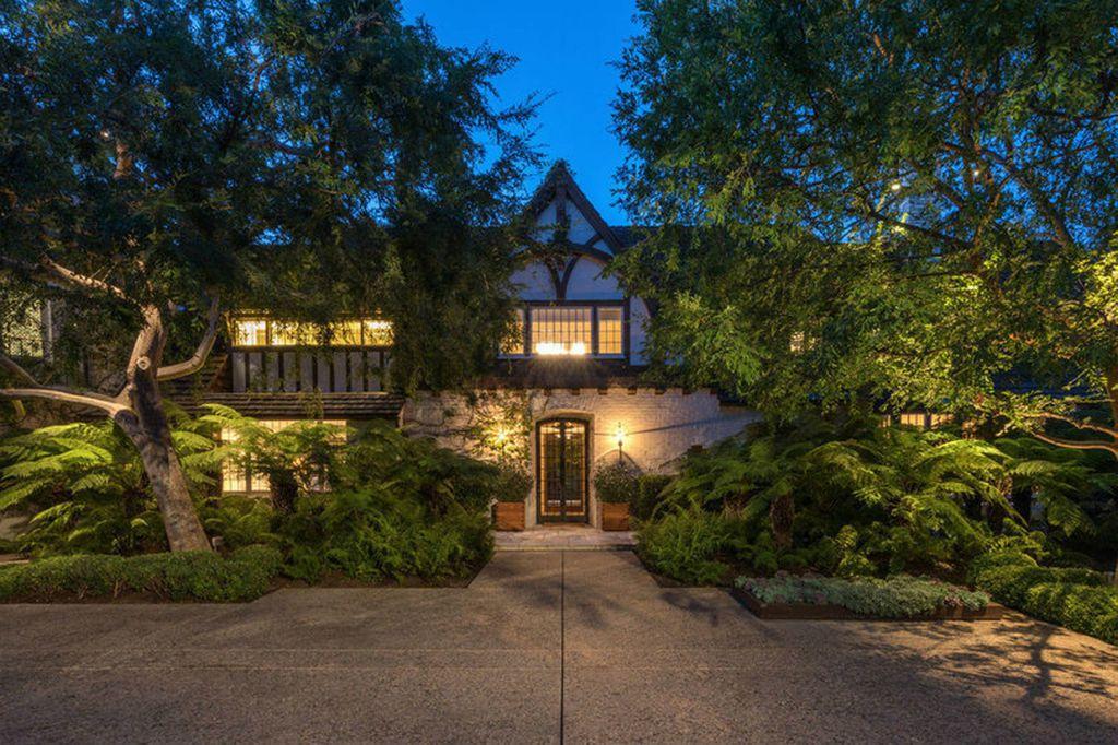 Vila u kojoj su živjeli Jennifer Aniston i Brad Pitt prodaje se za 56 milijuna dolara - 4