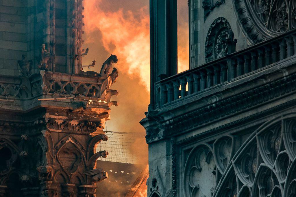 Katedrala Notre-Dame u plamenu (Foto: AFP)