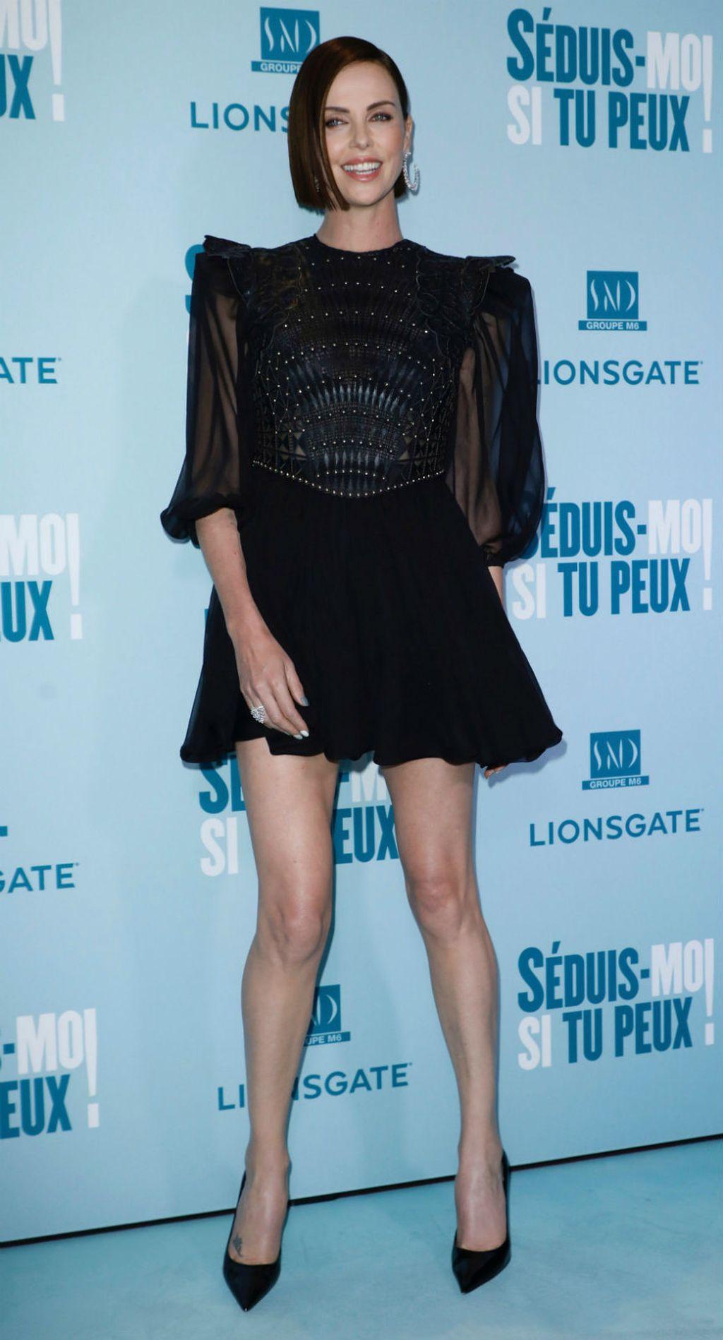 Charlize Theron u oklop-haljini modne kuće Dior - 3