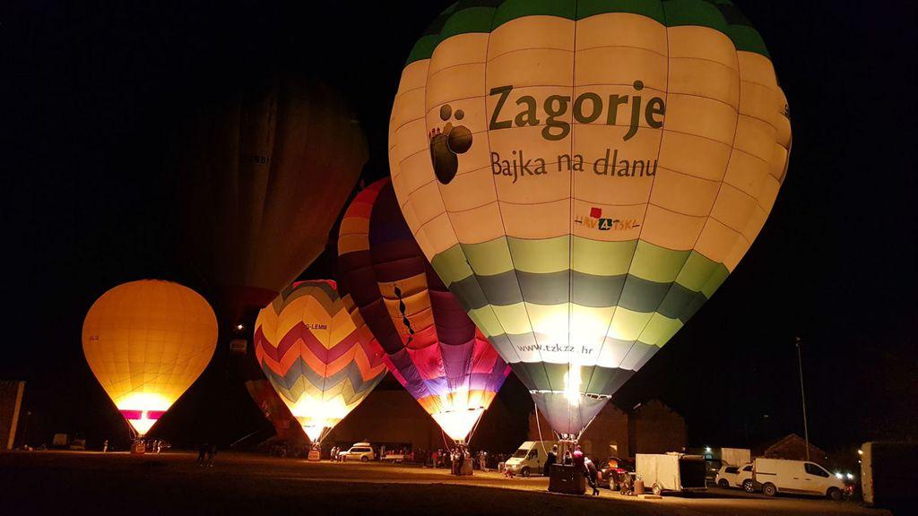 Spektakl noćne iluminacije balona