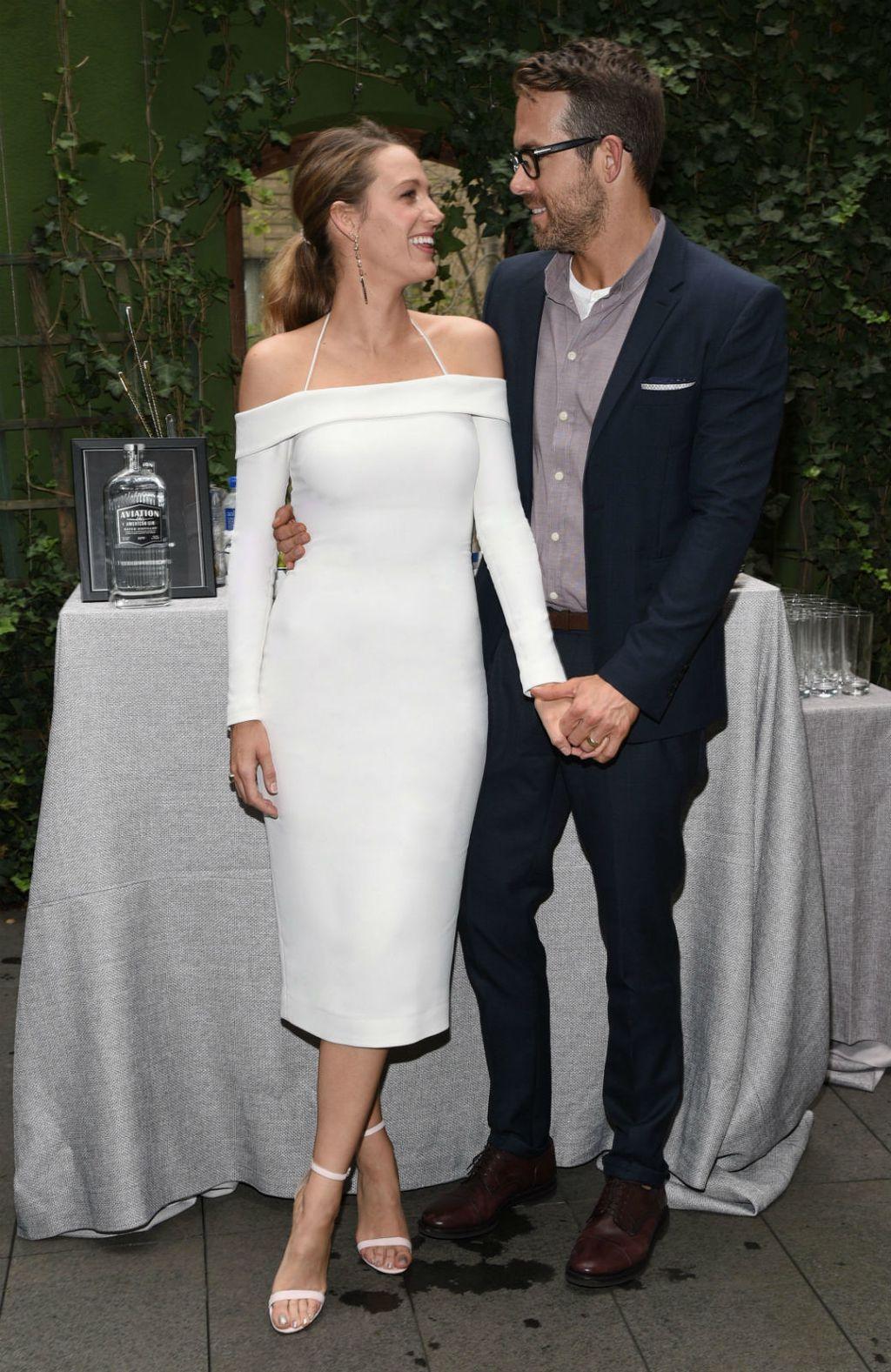 Blake Lively u uskoj bijeloj haljini - 4