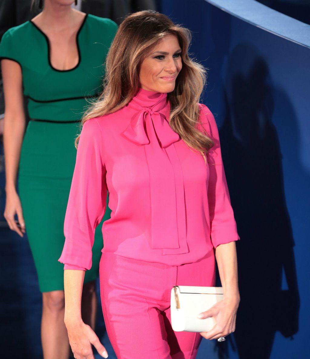 Melania 2016. na debati u St. Louisu, u kontroverznoj košulji modne kuće Gucci