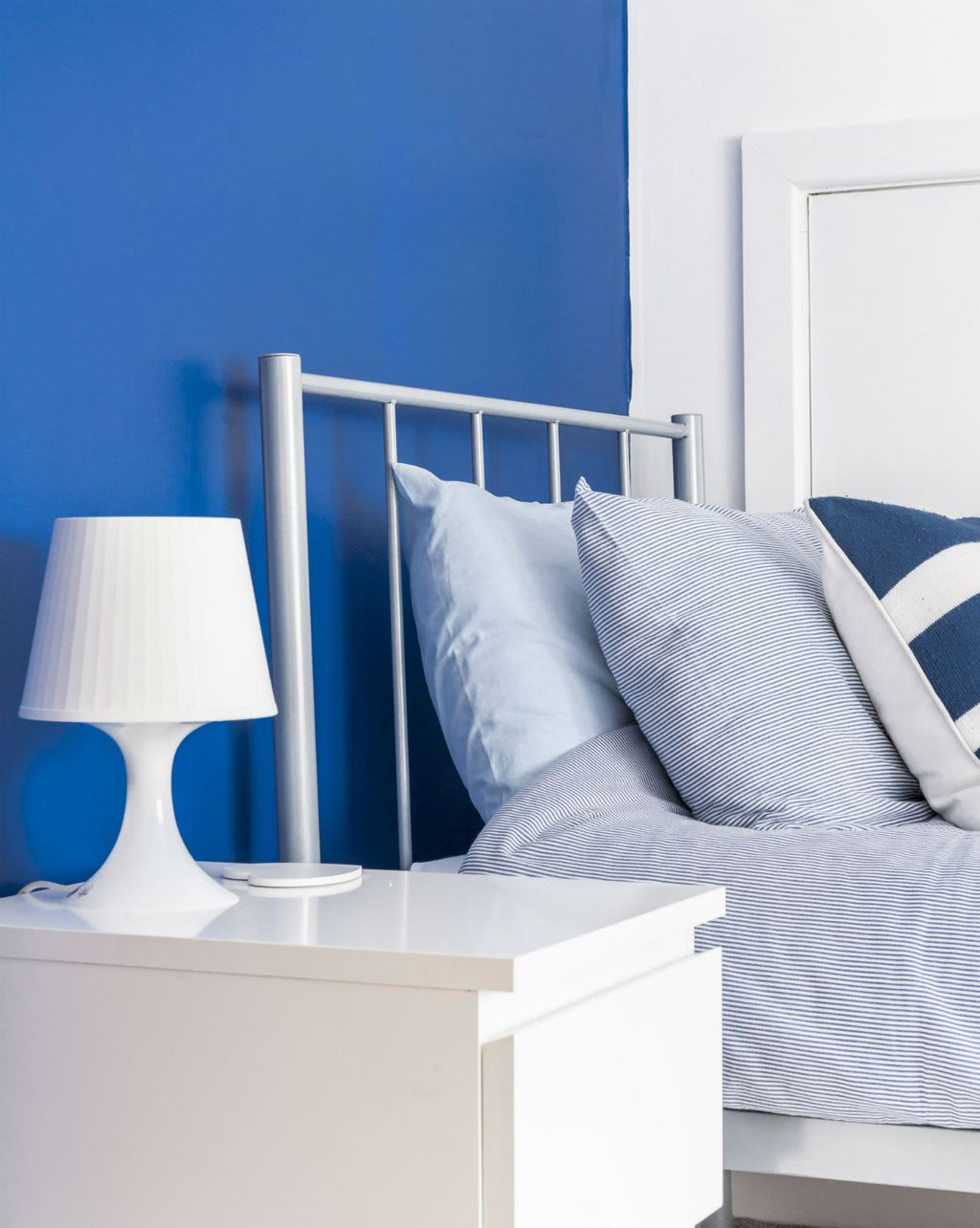 Spavaća soba u morsko plavoj boji najbolje odgovara horoskopskom znaku ribe