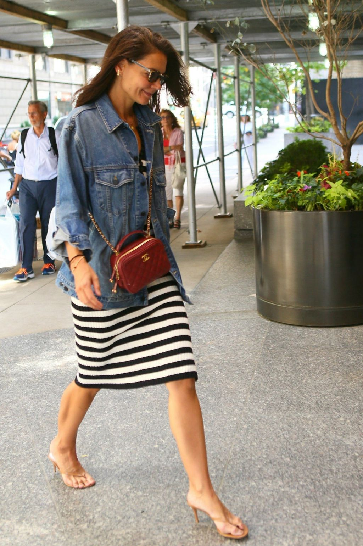 Glumica je nosila japanke s visokom potpeticom