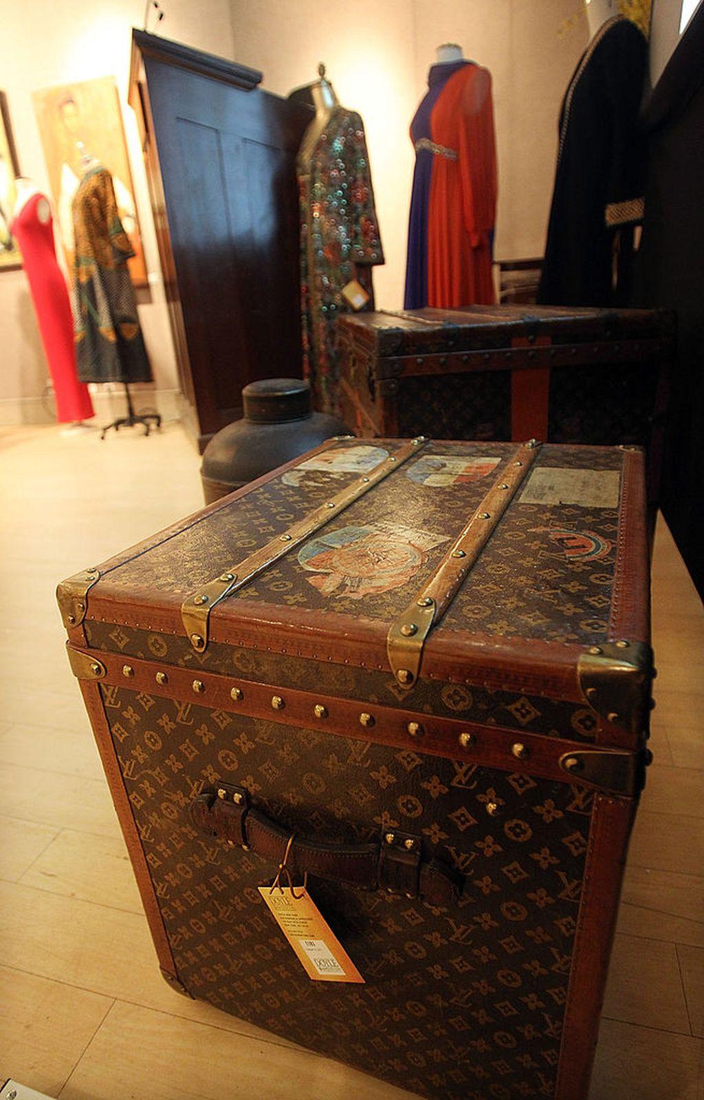 Stari putni Louis Vuitton sanduci koji su poslužili kao inspiracija za Petite Malle torbice