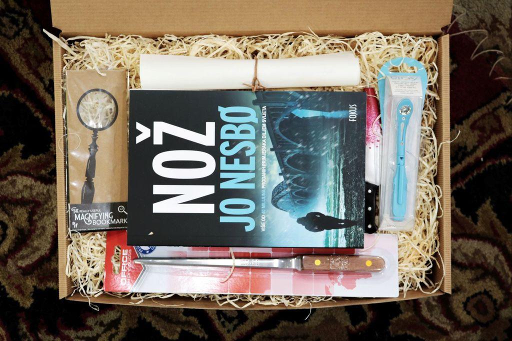 Svaka kutija krije knjigu i sitnice iznenađenja - 5