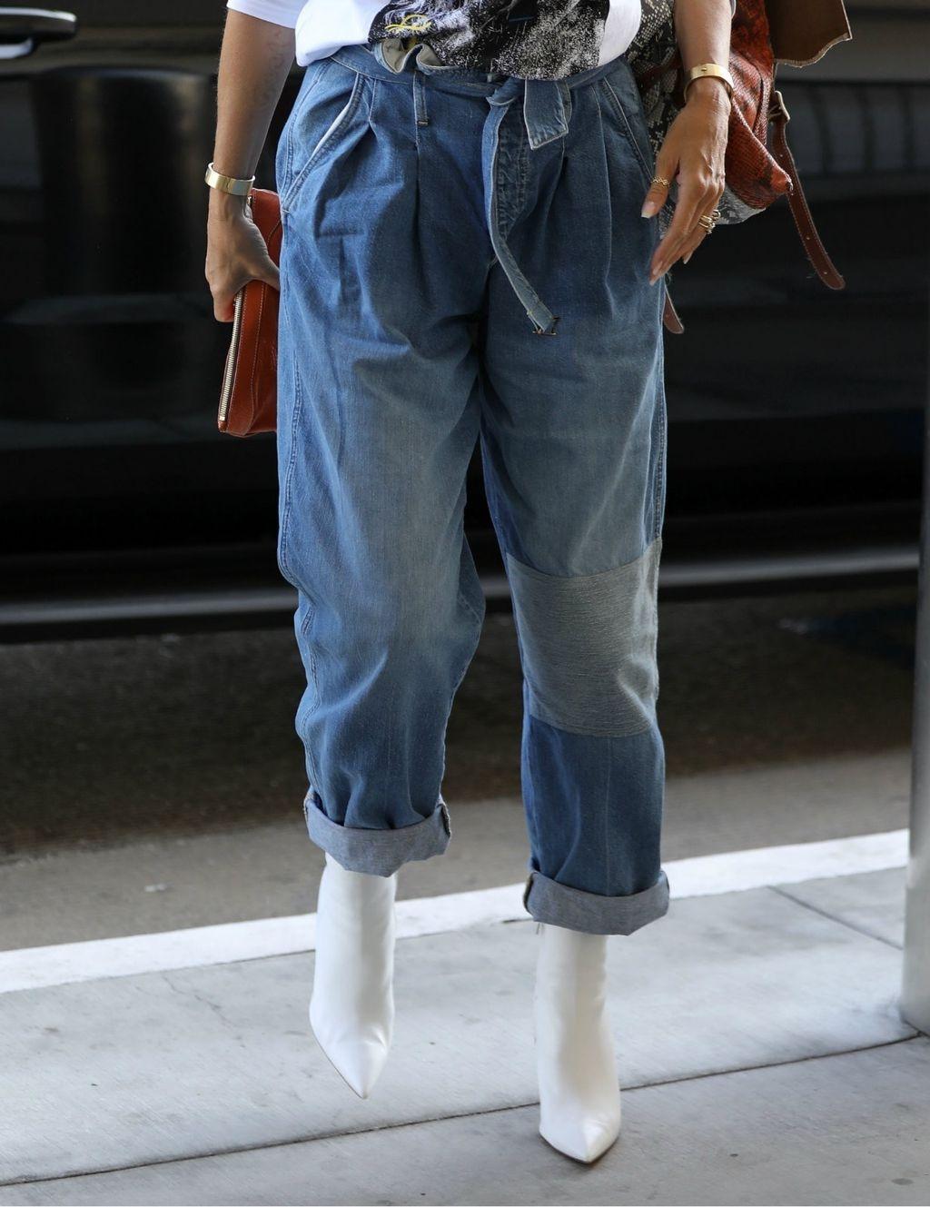 Vrećaste traperice novi su jesenski trend