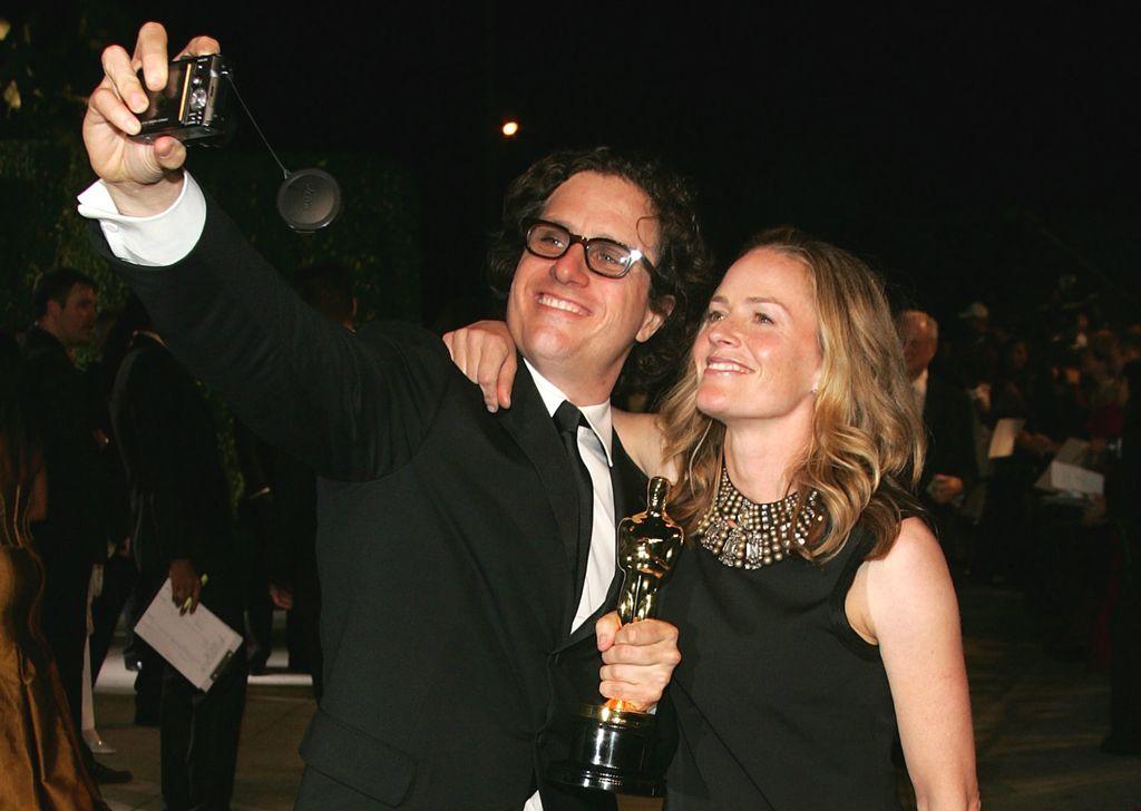Elisabeth Shue sa suprugom Davisom na dodjeli Oscara 2007. godine