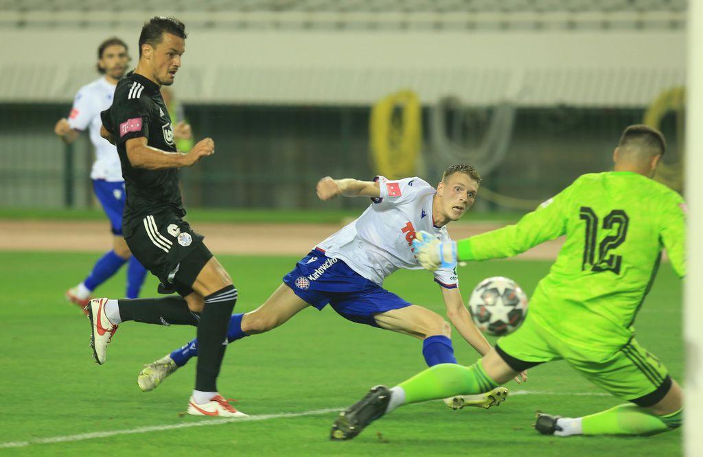 Emir Sahiti zabija gol
