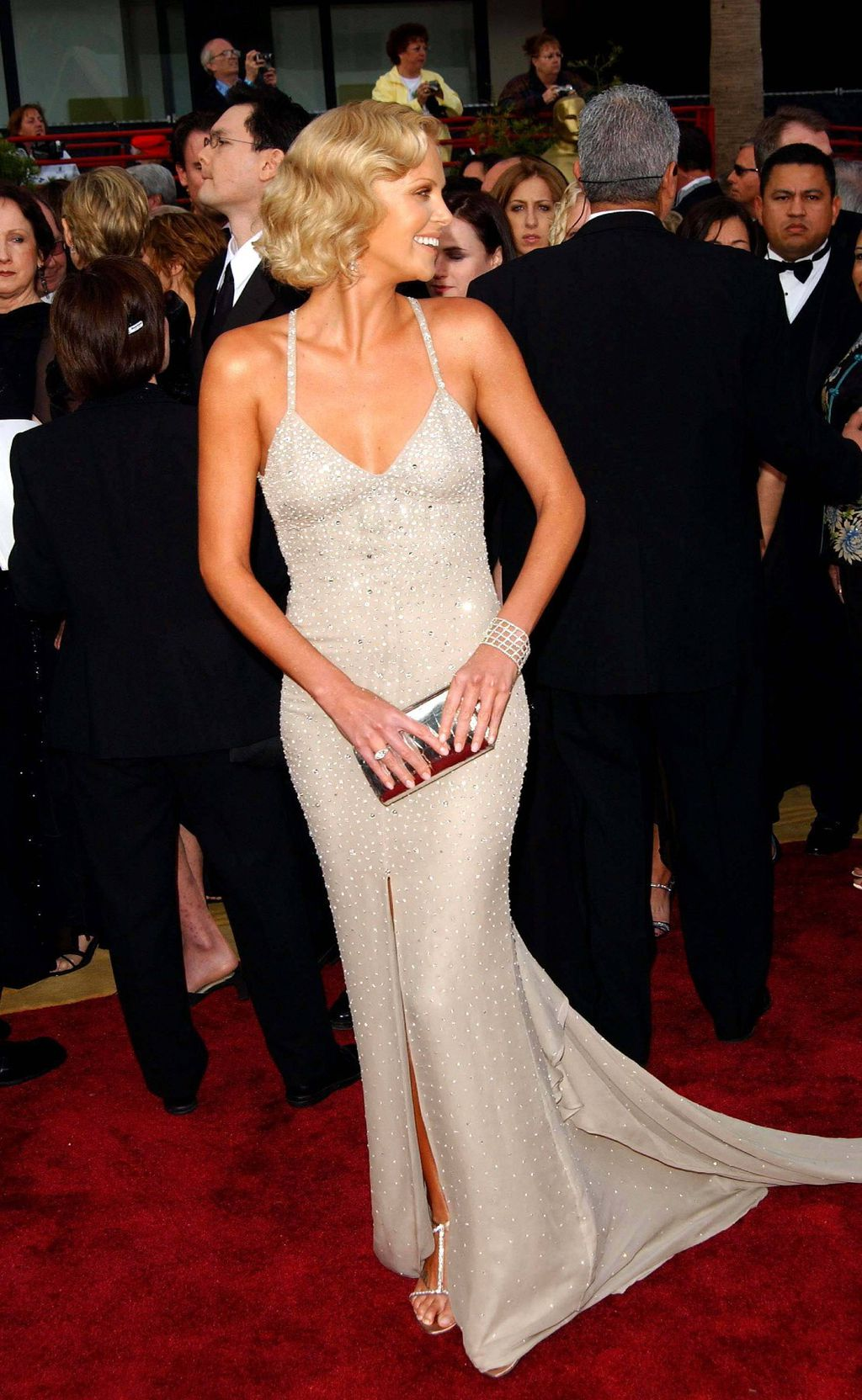Charlize Theron u Gucci haljini na Oscarima 2004. godine