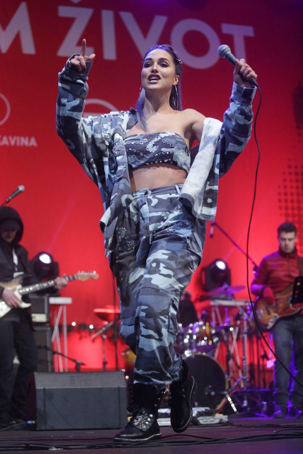 Lana na koncertu 'Želim život'