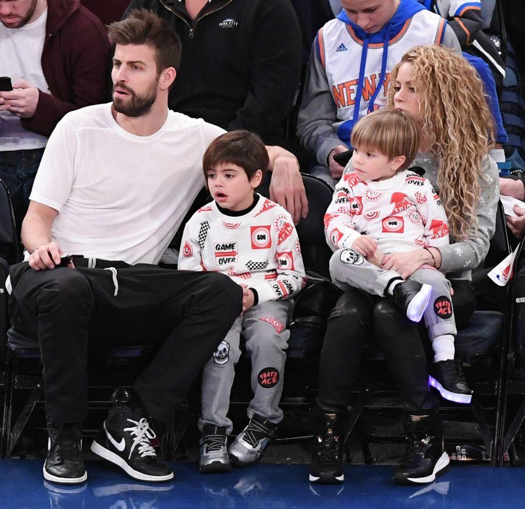 Shakira i Gerard Pique proveli su božićne blagdane u New Yorku sa Milanom i Sashom - 2