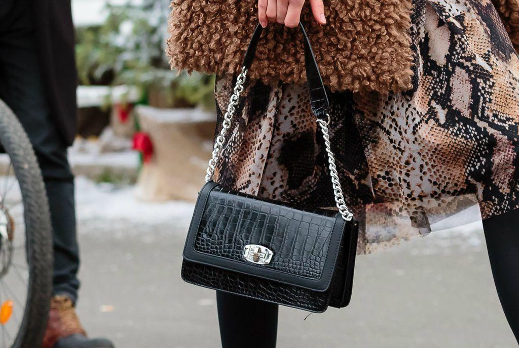 Crna torba pravi je klasik