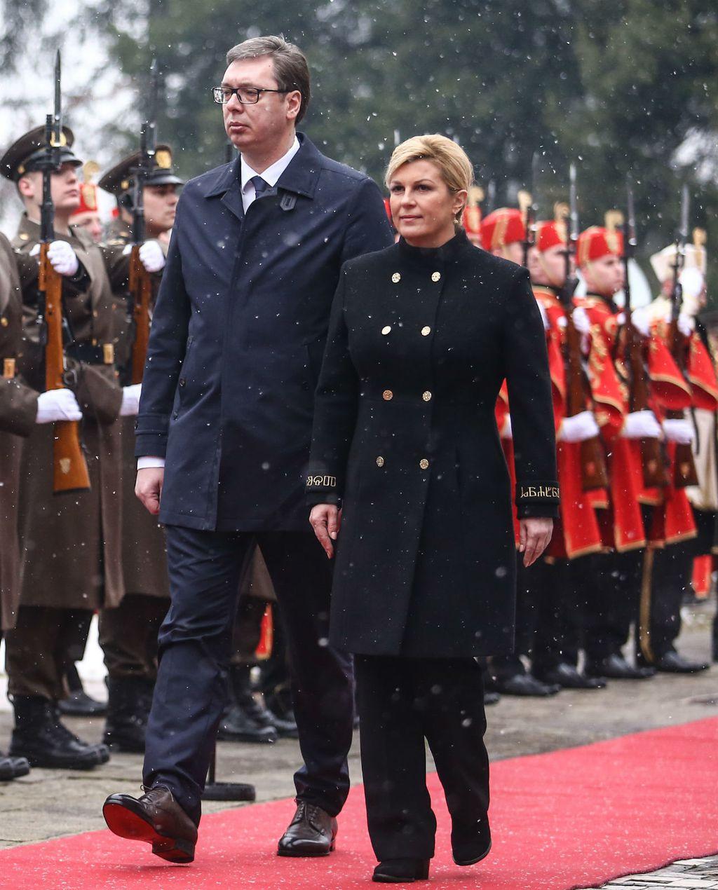 Kolinda Grabar-Kitarović u \'generalskom\' kaputu za susret s predsjednikom Srbije Aleksandrom Vučićem - 3