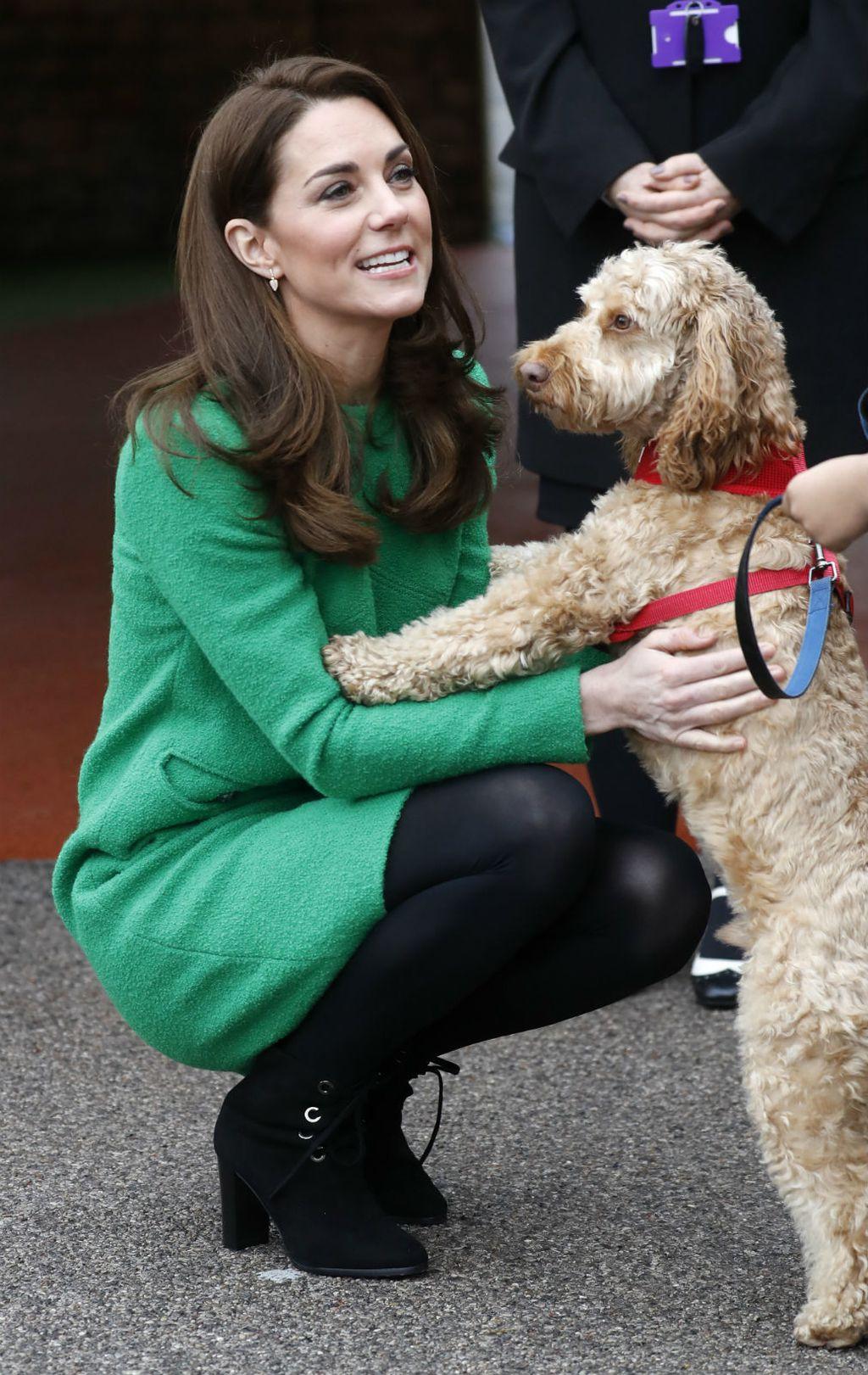 Catherine Middleton u gležnjačama kakvima se žene uvijek vraćaju - 5