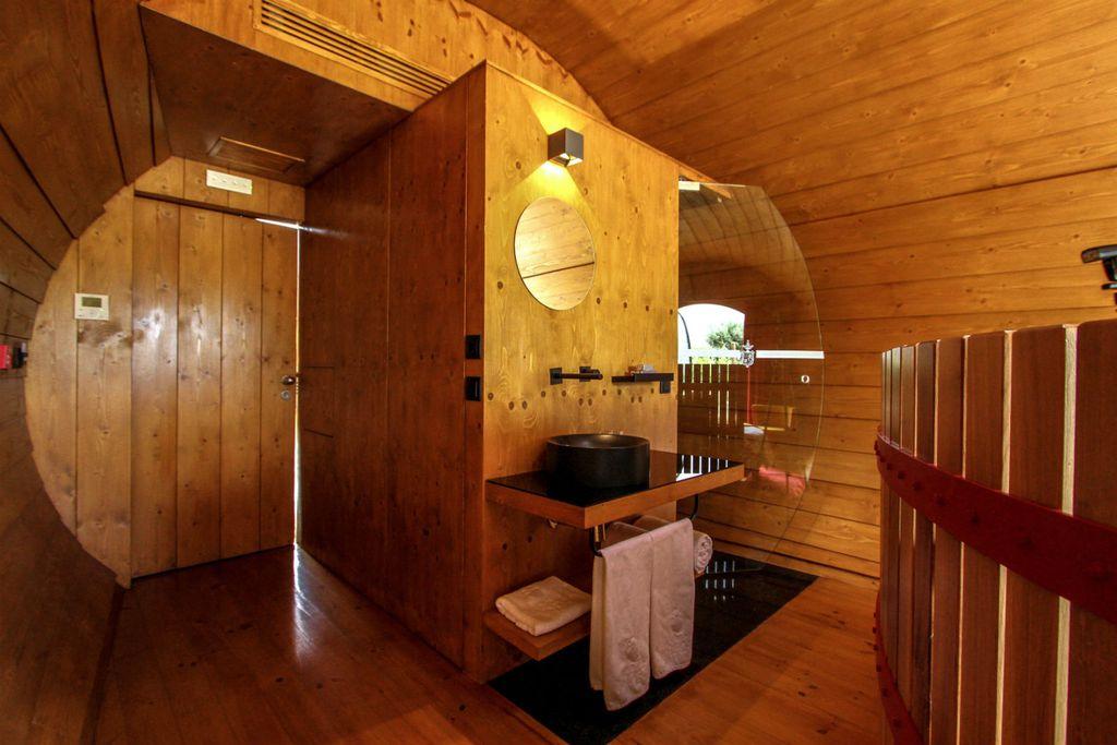 Unutrašnjost bačve u Wine hotelu u Portugalu