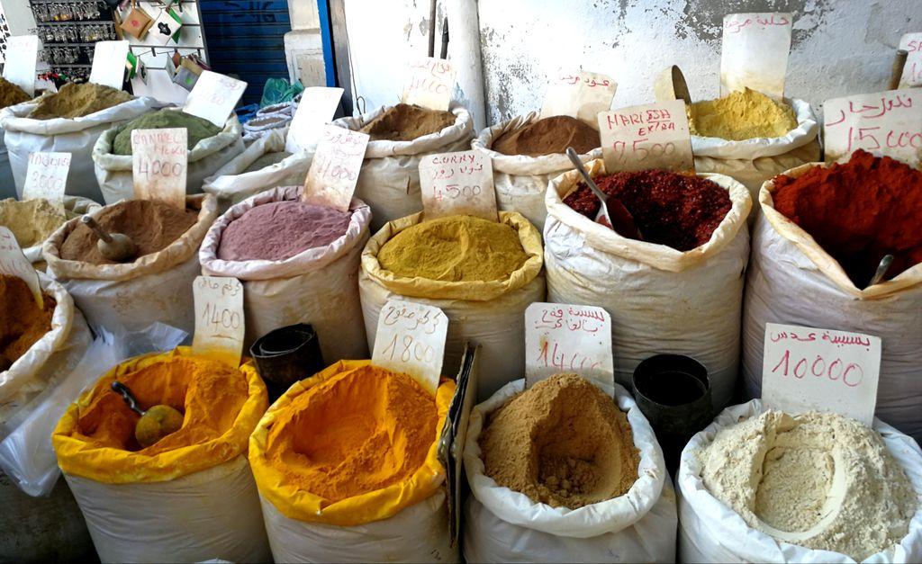 Začini na tržnici u Tunisu