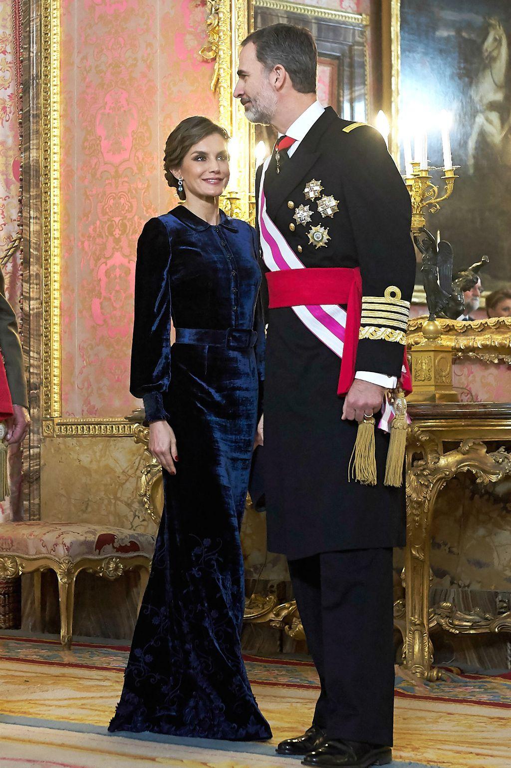 Letizia u baršunastoj haljini Felipea Varele