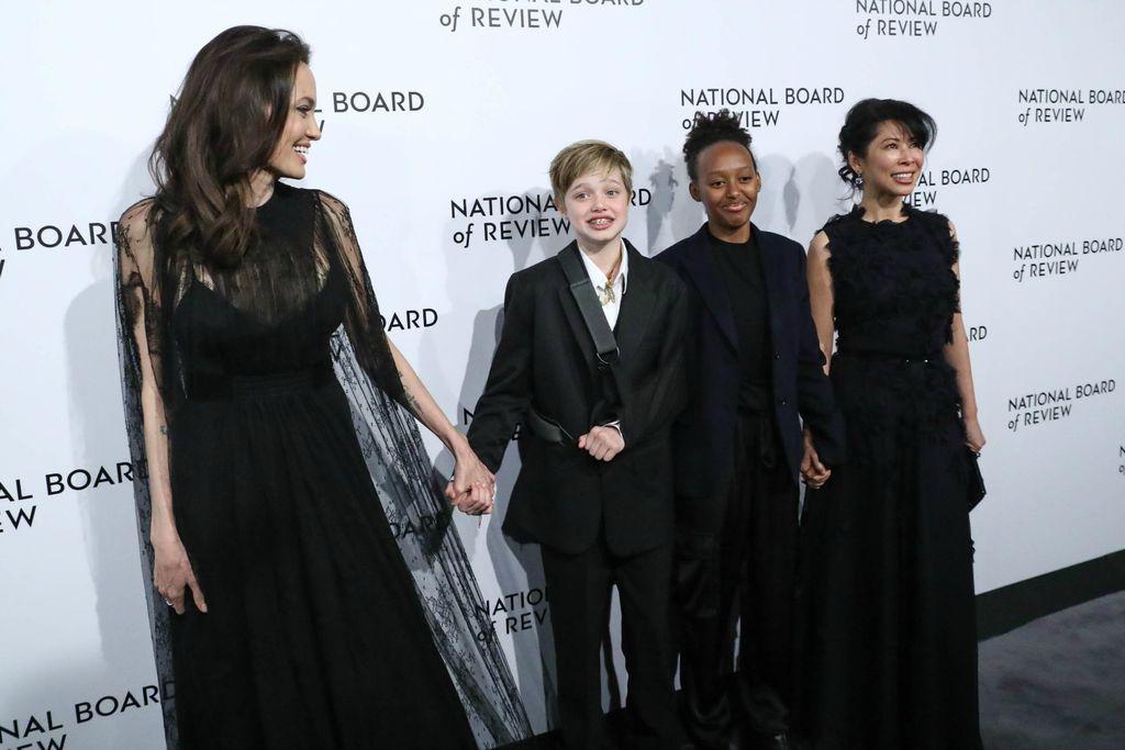 Angelina, Shiloh i Zahara na gala večeri - 5