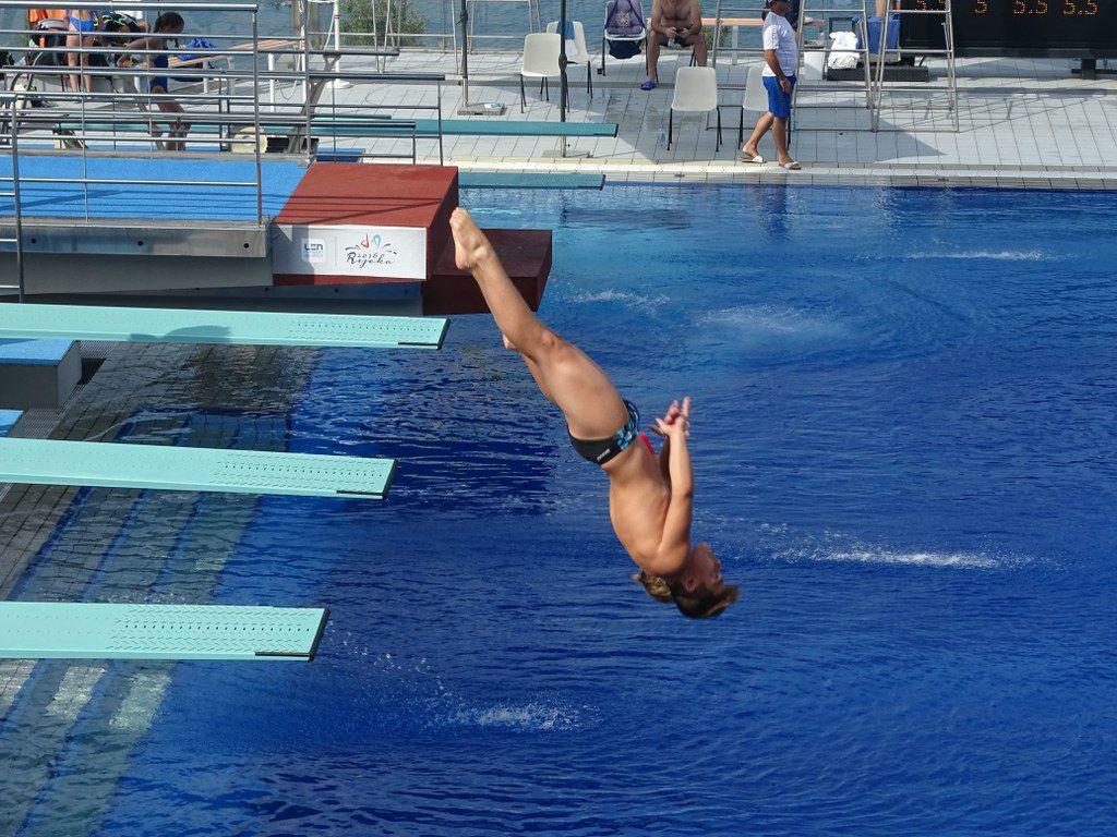 David Ledinski ima 13 godina i trenira skokove u vodu - 2