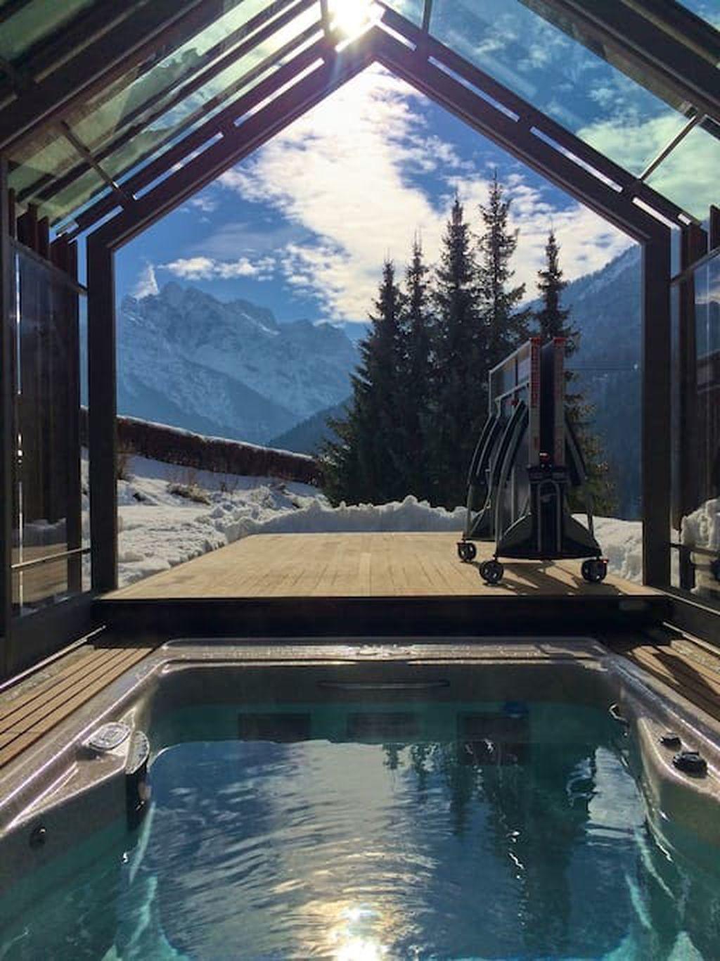 Luksuzna koliba s natkrivenim bazenom
