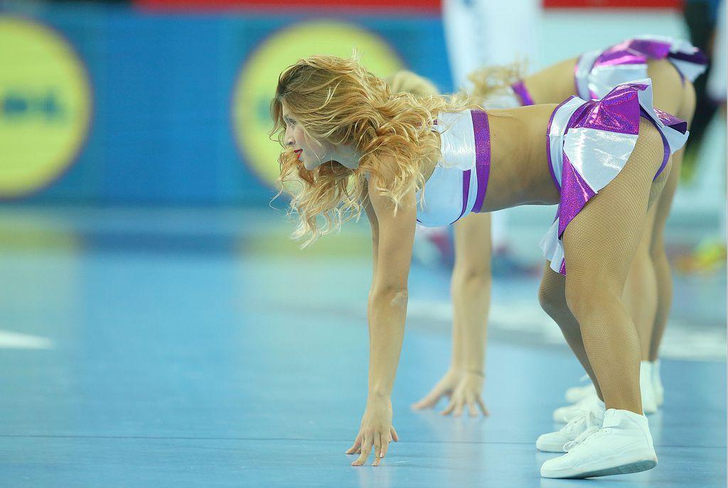 Plesačice u zagrebačkoj Areni (Foto: Goran Stanzl/PIXSELL)