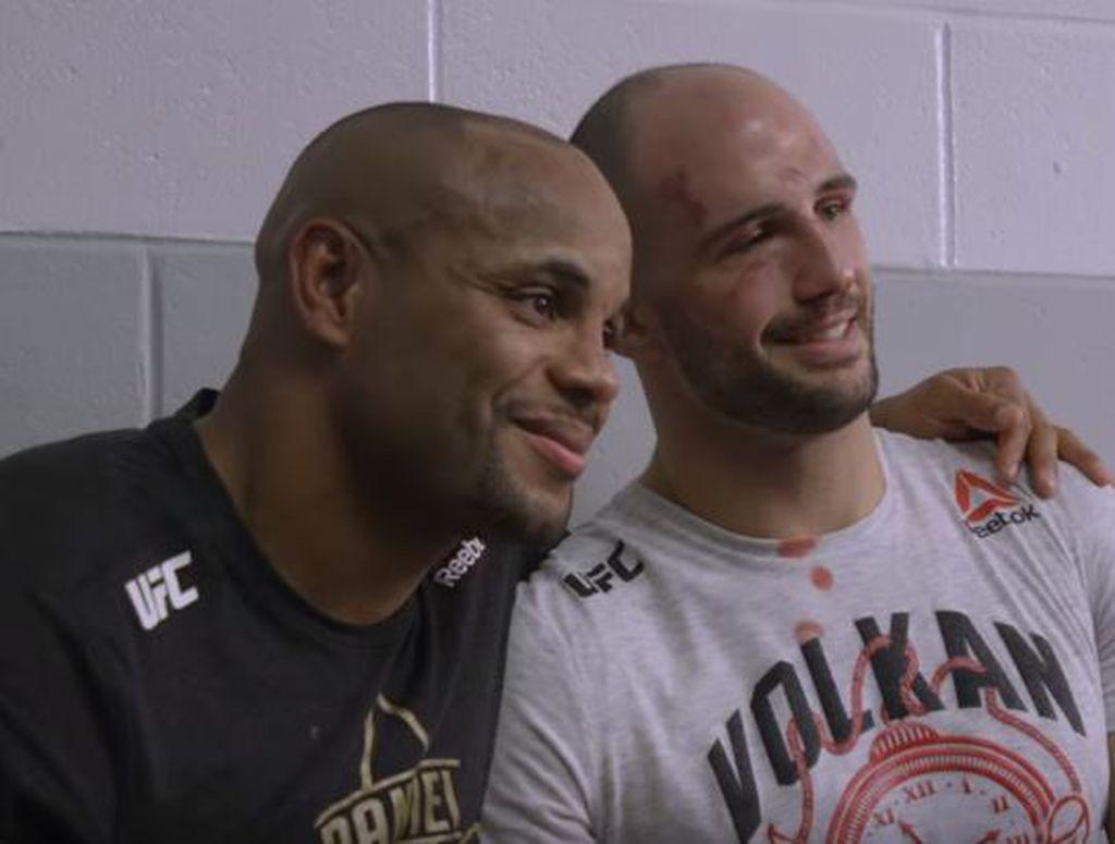 Cormier i Volkan nakon meča (Screenshot)