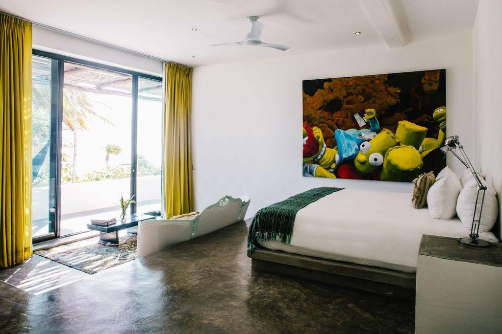 Umjetnine na zidu se redovito mijenjaju u hotelu
