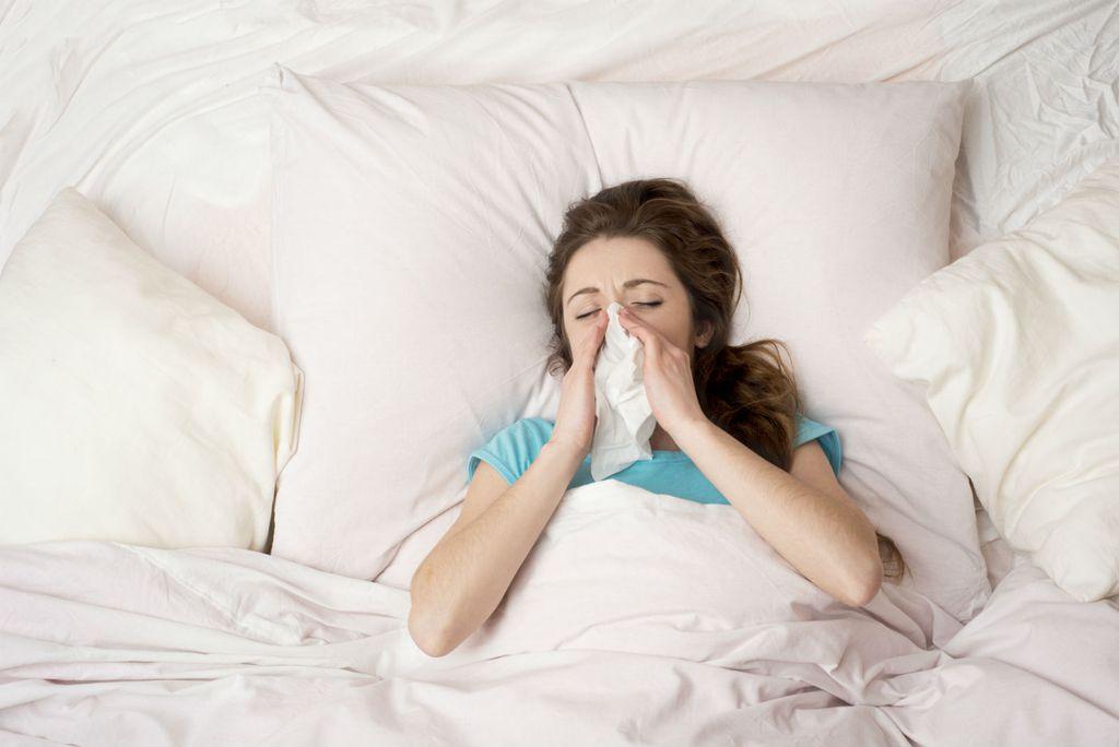 Liječenje od gripe treba uključivati odmor i puno tekućine