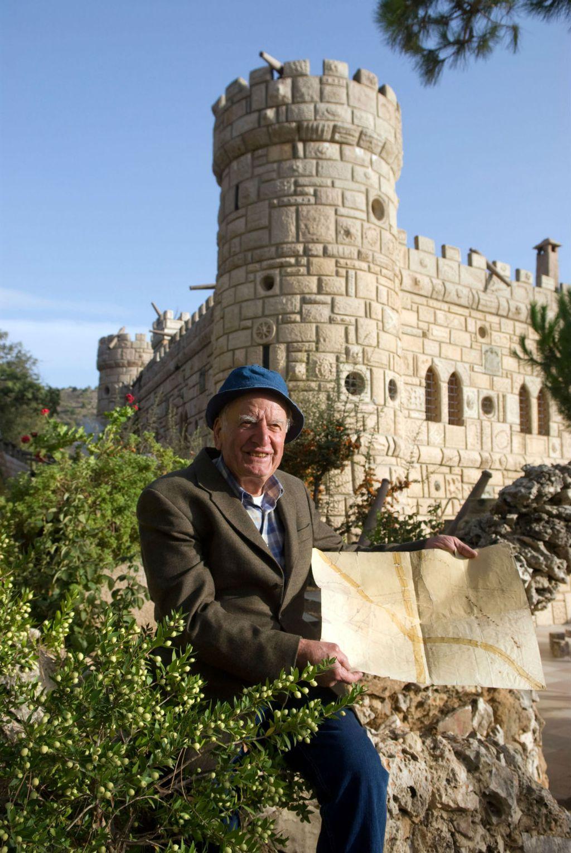 Moussa Al Maamari umro je u siječnju 2018., a dvorac je ostavio svojoj obitelji