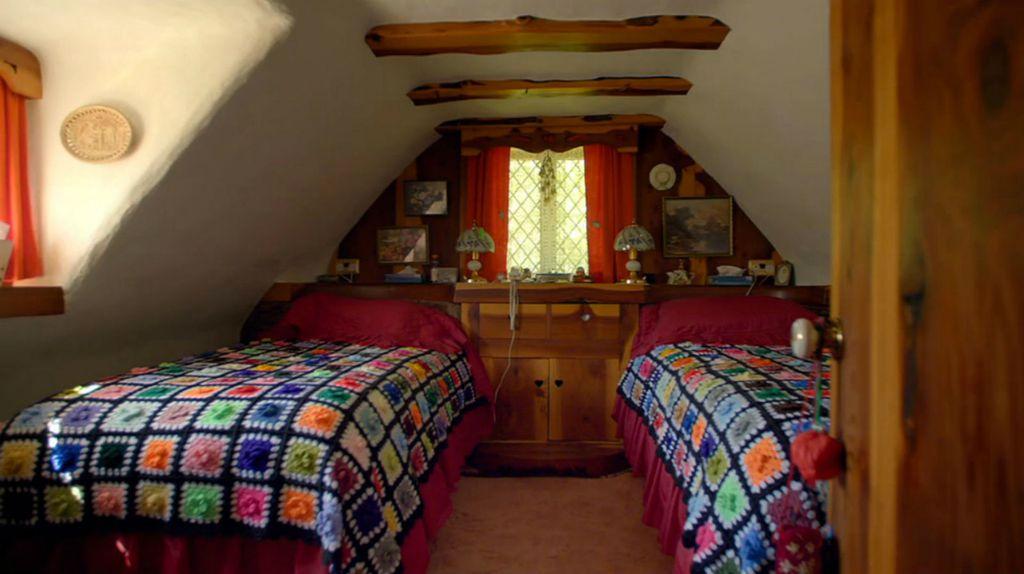 Prava \'Hobit\' kućica u kojoj živi umirovljenik Stuart Grant - 5
