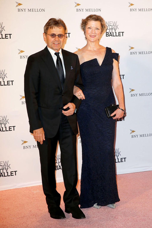 Mihail sa suprugom Lisom Rinehart u prosincu 2018. godine