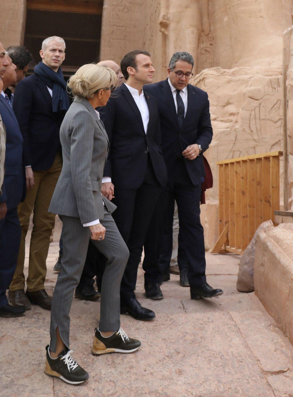 Brigitte i Emmanuel u razgledavanju arheološkog lokaliteta