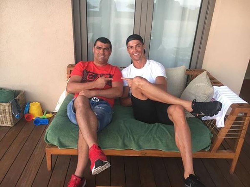 Sporna Ronaldova fotografija (Foto: Twitter)
