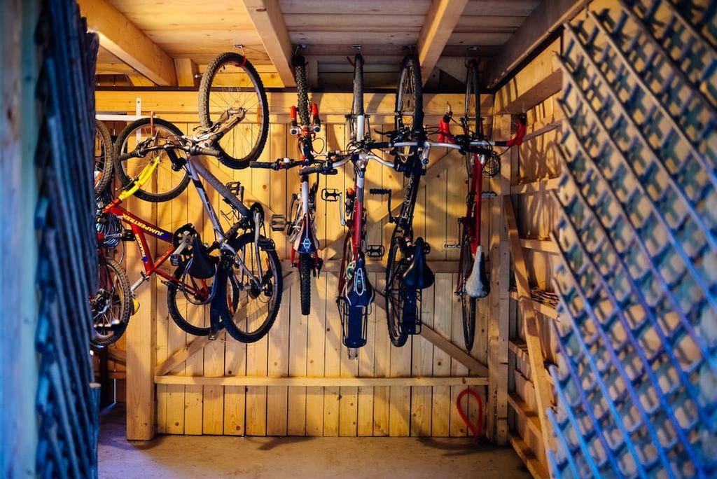 Na raspolaganju su vam bicikli i kajak