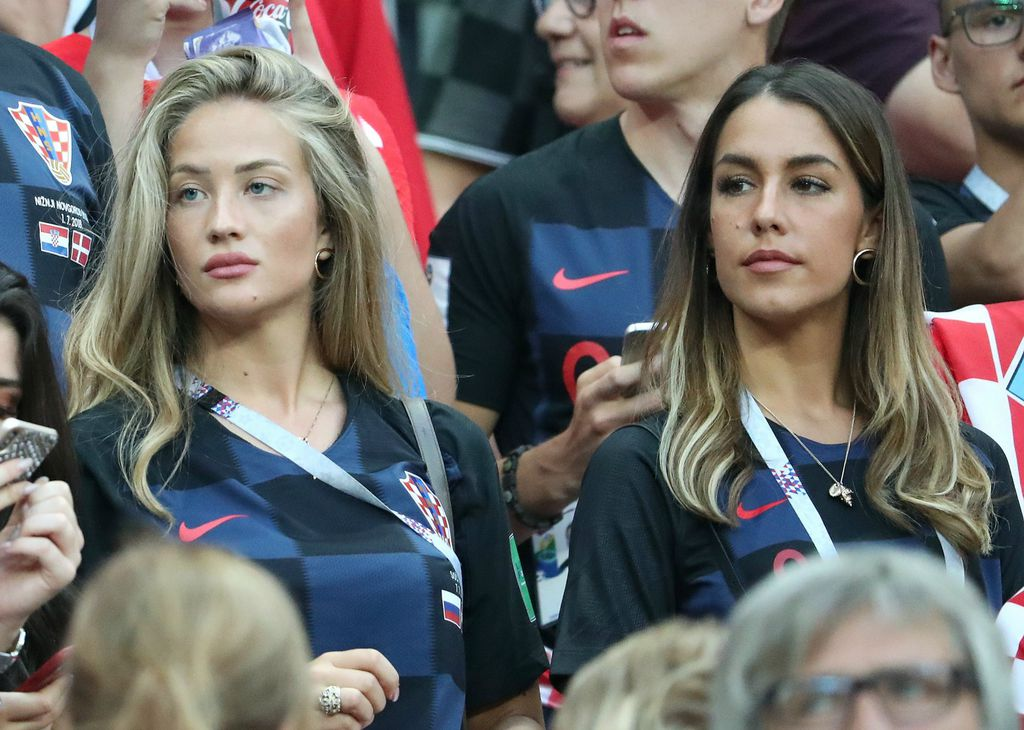 Izabel i Ena nosile su identične naušnice na utakmicama protiv Danske i Engleske