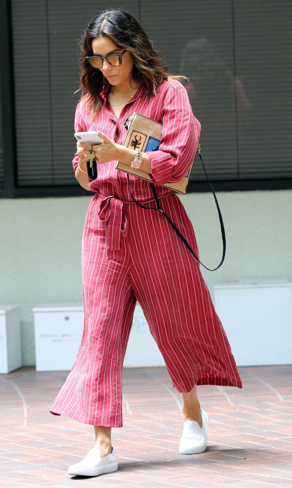 Eva Longoria u crvenom kombinezonu - 4