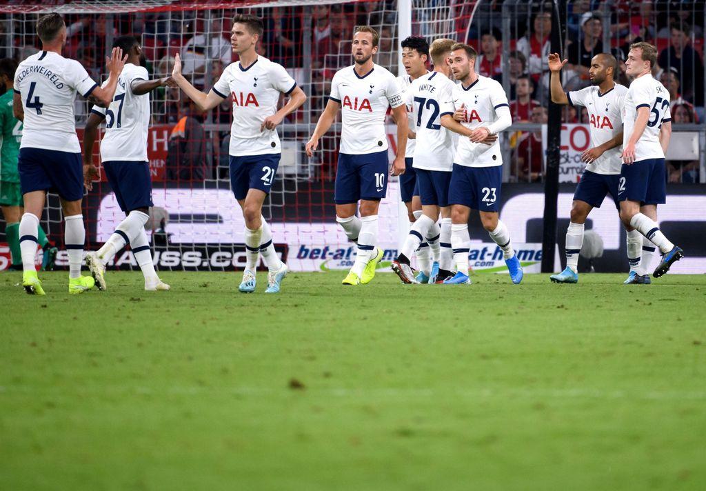 Slavlje igrača Tottenhama (Foto: Sven Hoppe/DPA/PIXSELL)