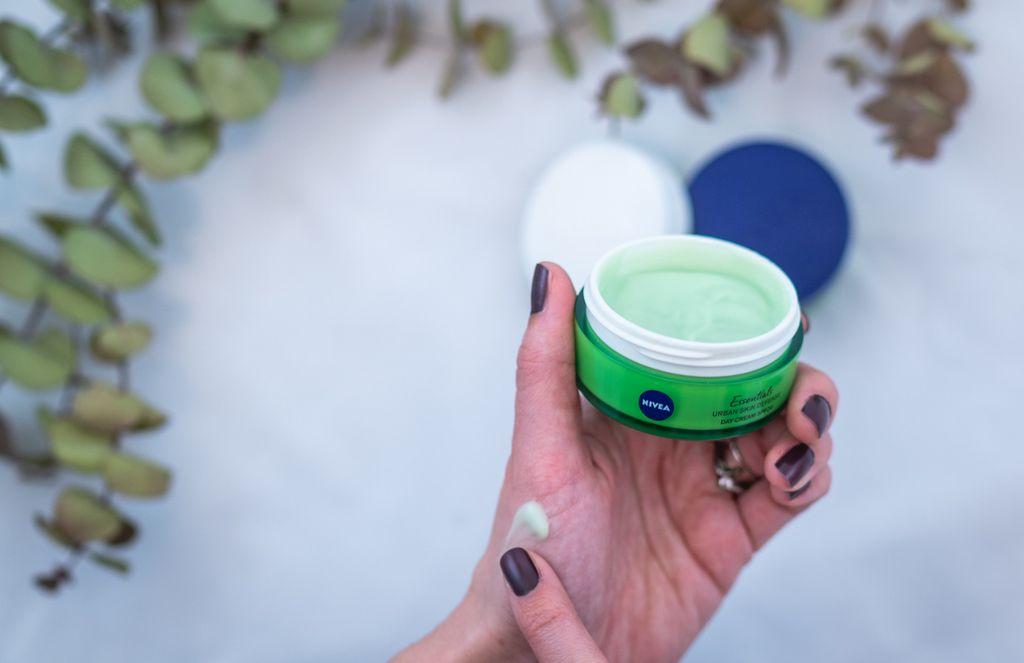 Nivea Urban Skin linija namjenjena je svim urbanim djevojkama kojima je potrebna cjelodnevna zaštita kože