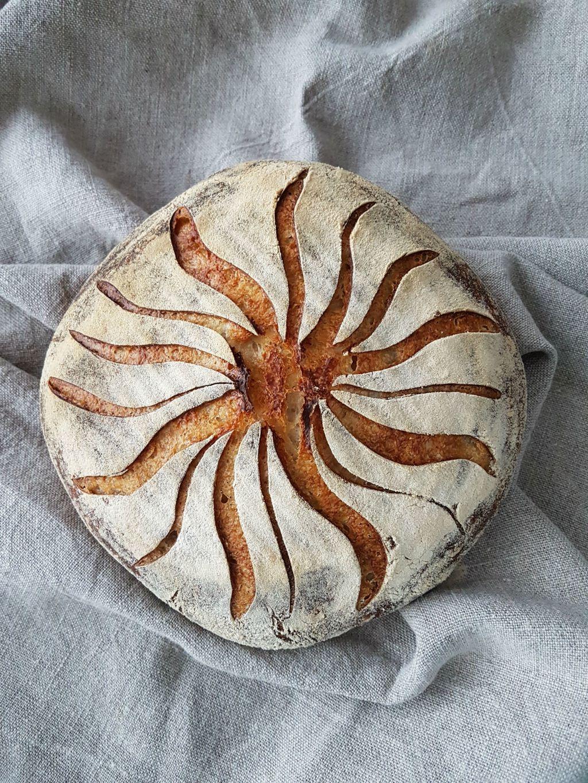 Svaki Anitin kruh od kiselog tijesta je unikat i pravo malo umjetničko djelo