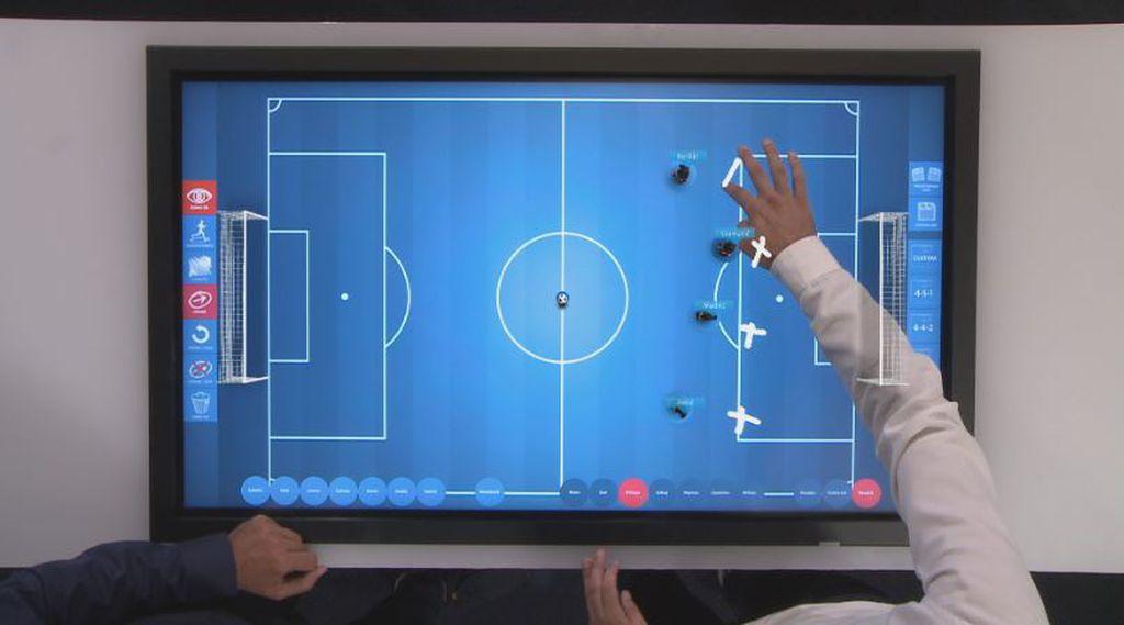 Jerko Leko i Milan Stjelja barataju \'touch screen\' aplikacijama (Foto: GOL.hr)