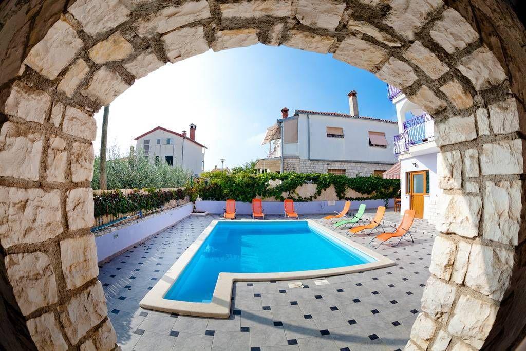 Terase s bazenima u Istri - 1
