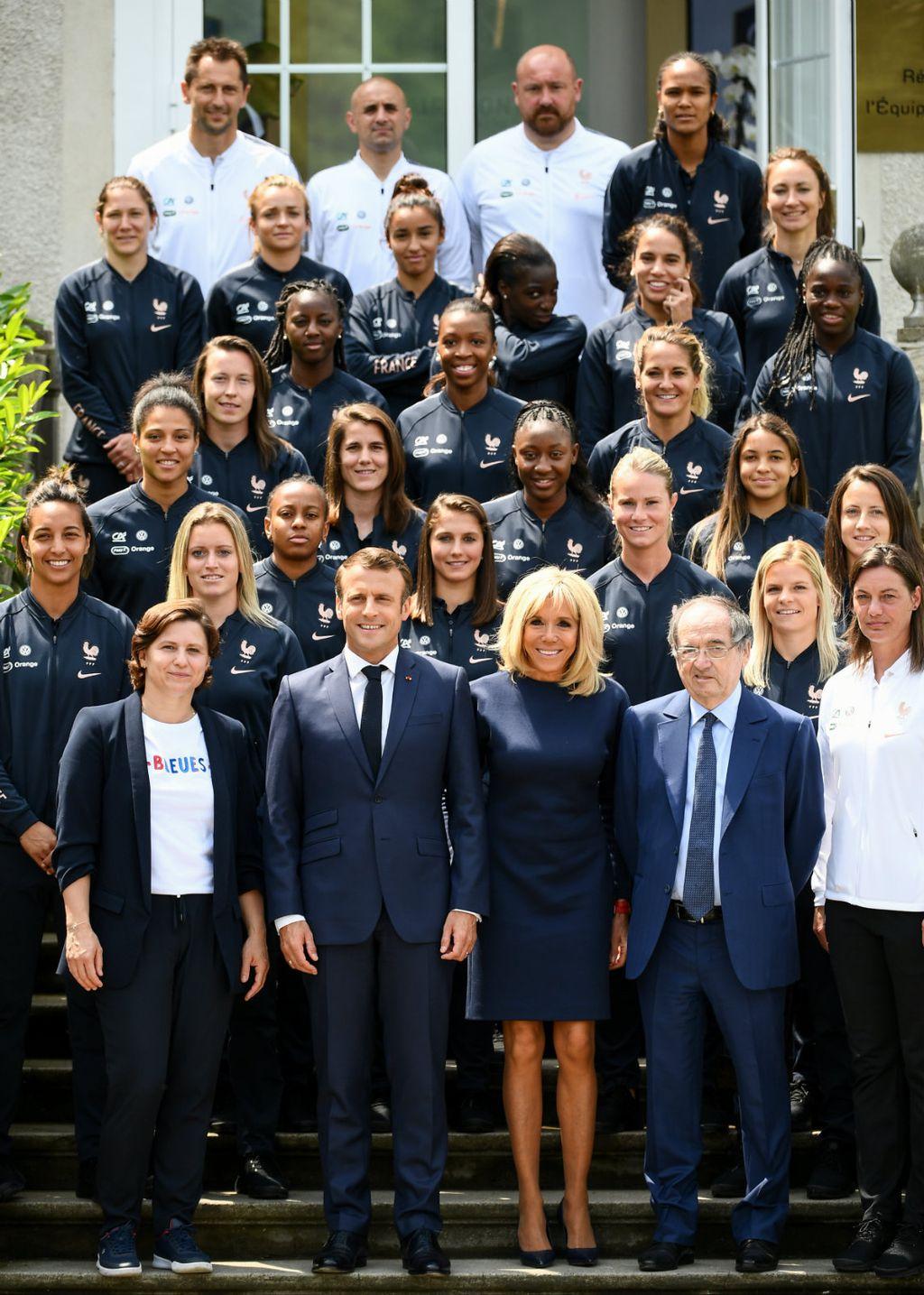 Prva dama i predsjednik posjetili su francusku žensku nogometnu reprezentaciju na pripremama