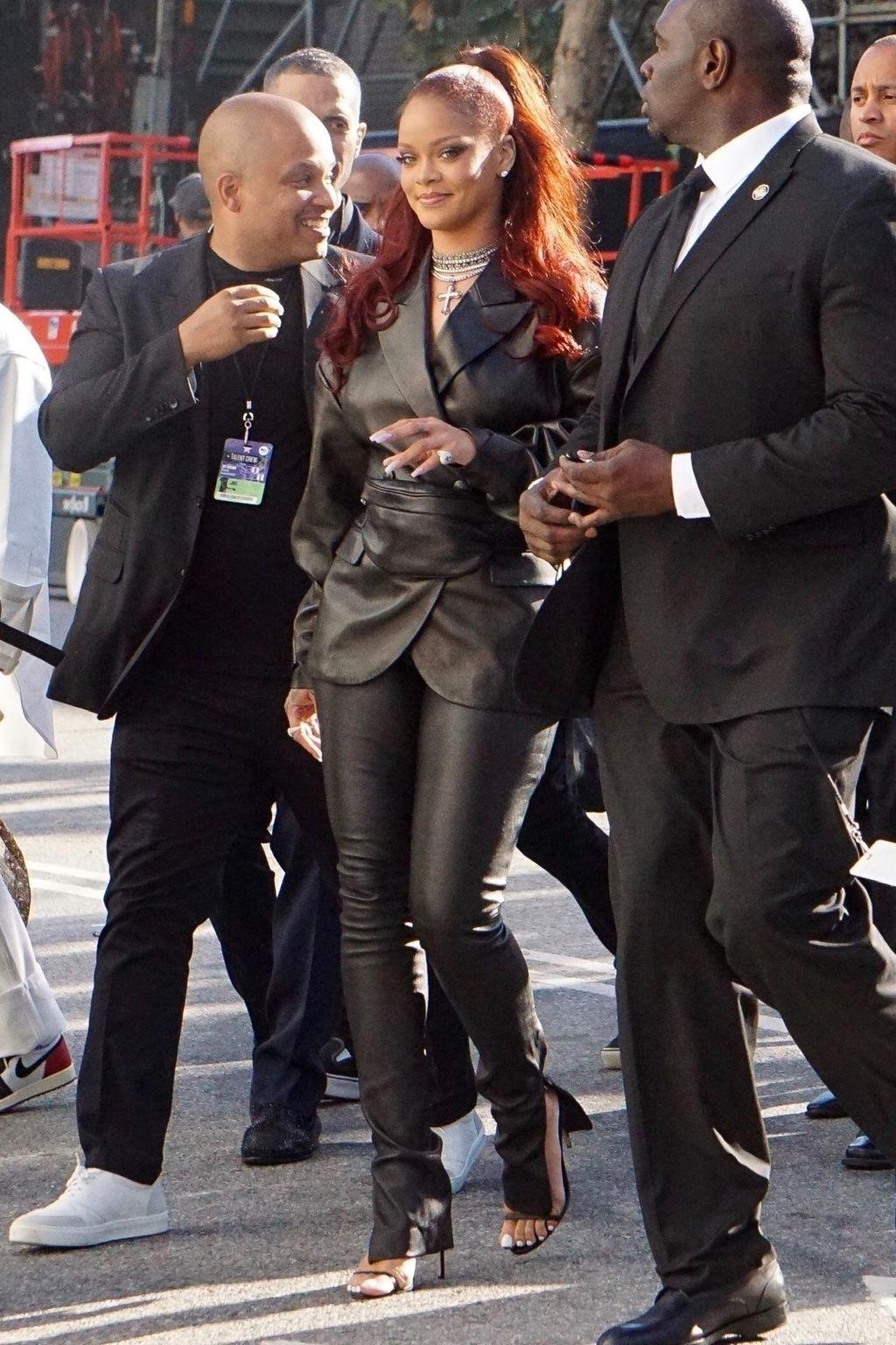 Rihanna u hlačama stvorenima za nošenje uz štikle - 4