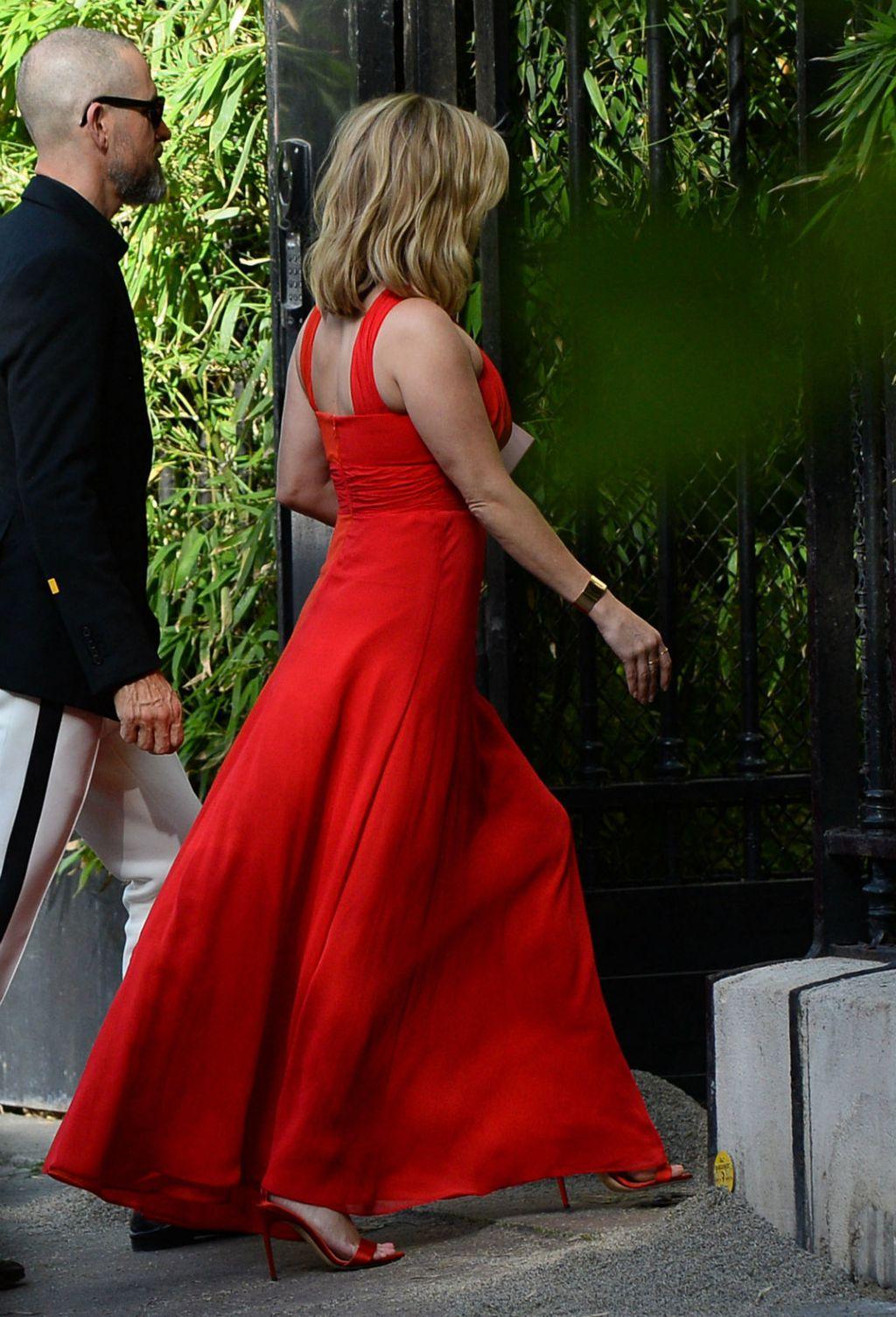 Reese Witherspon u vatreno crvenoj haljini