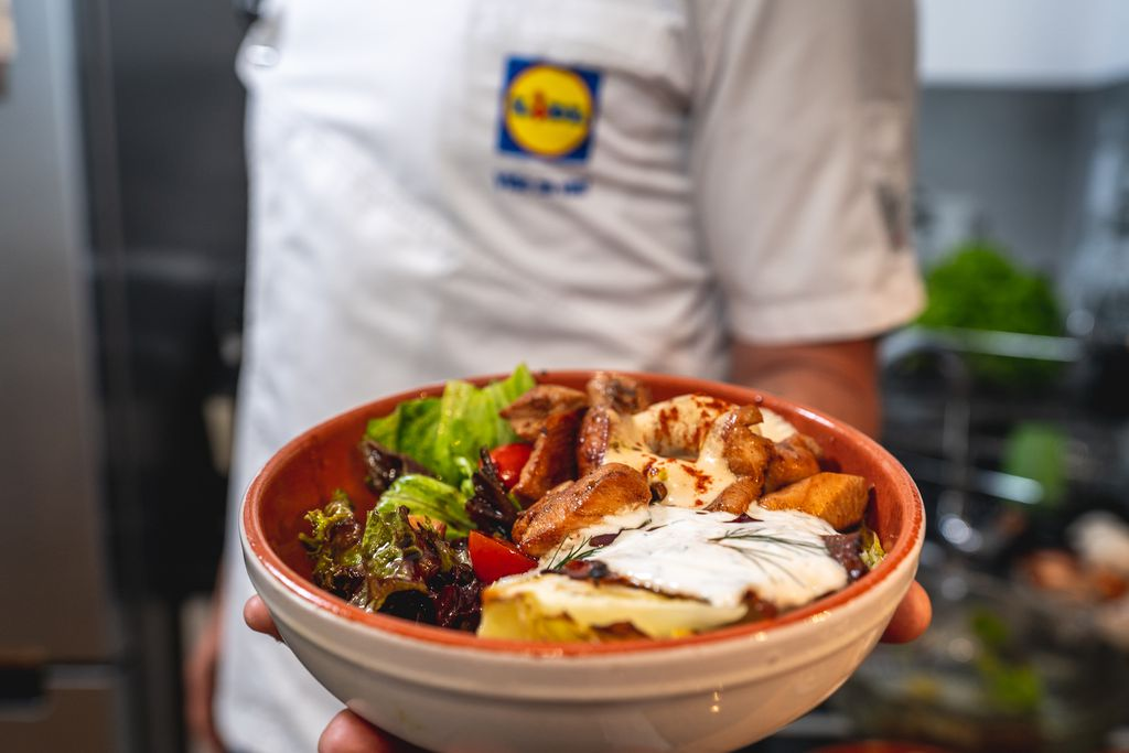 Čim dođu topli dani, salata zauzima top-poziciju na našem meniju